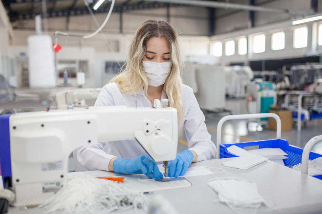 cleanroom ppe manufacturing